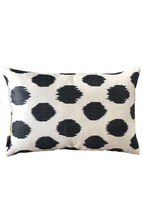 Piece of Pillow the soul collection ikat kussens